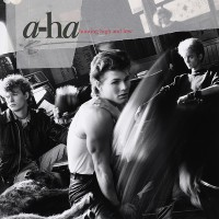 A - HA - HUNTING HIGH AND LOW  ''BRA''